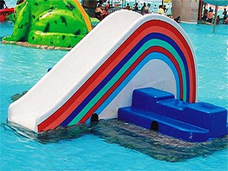 Splash Pad Park Colorful Rainbow Design Fiberglass Material Kids Pool Water Slide