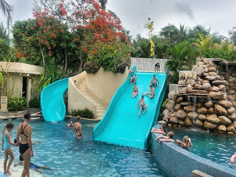 Fiberglass Kid Water Park Swimming Pool Water Slides Equipment Family Width Slide