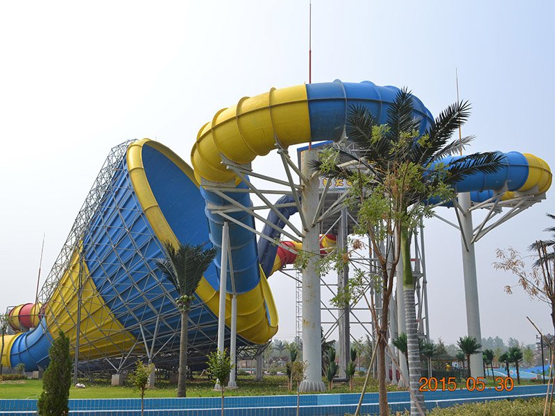 Wenwen Outdoor Huge Tornado Water Slide  Adult Thrilling Hurricane Fiberglass Slide For Hotel Resort Tornado water slide image3