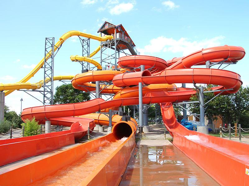 Outdoor Spiral Tube Water Slide For Holiday Resort  Swimming Pool Fiberglass Water Park Slide Equipment