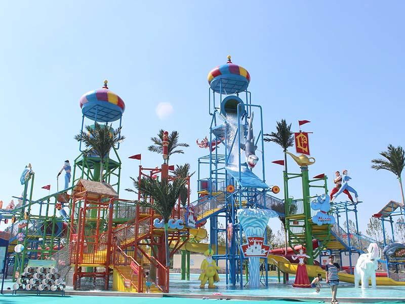 Aquatic Playground Equipment Theme Park Fiberglass Slide For Hotel Resort